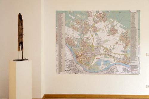 Stadtplan mit Verortung aller bisher verlegten Stolpersteinen und den Namen der Neuwieder und Neuwiederinnen, die Opfer des Holocaust wurden.
